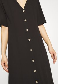 Monki - SILENA DRESS - Košilové šaty - black - 5