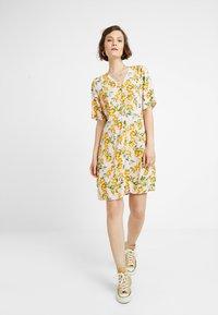 Monki - WINONA DRESS - Košilové šaty - pink - 2