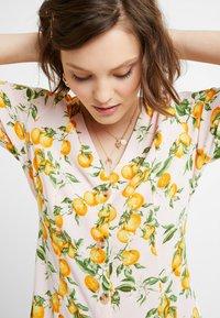 Monki - WINONA DRESS - Košilové šaty - pink - 6