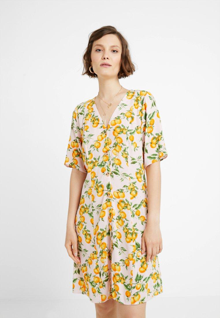 Monki - WINONA DRESS - Košilové šaty - pink