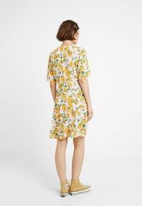Monki - WINONA DRESS - Košilové šaty - pink - 3