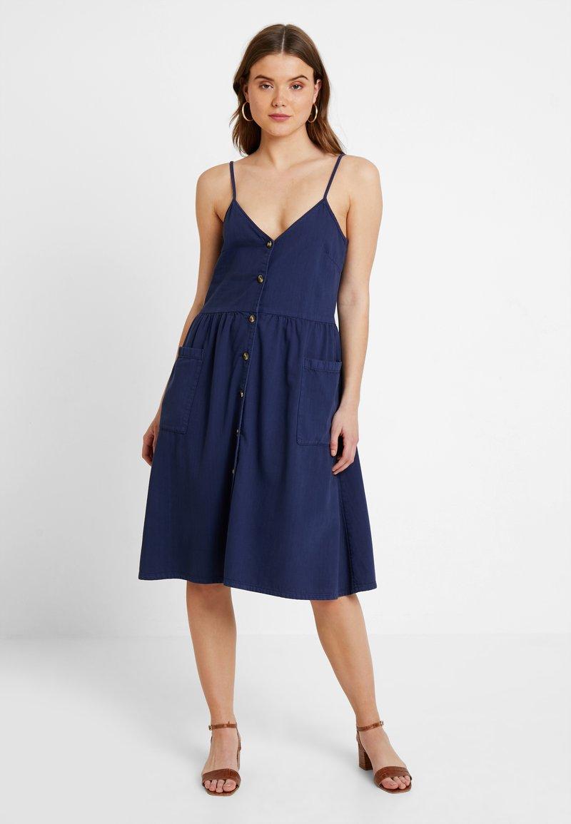 Monki - LOUISE DRESS - Hverdagskjoler - blue