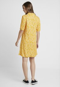 Monki - OWA DRESS - Košilové šaty - yellow/white - 2