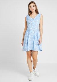 Monki - VIOLA DRESS - Košilové šaty - light blue - 1