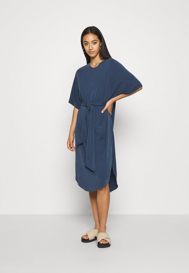 HESTER DRESS - Jerseykjole - navy blue