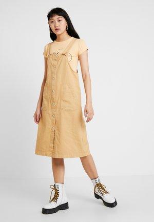 MINGU DRESS - Denimové šaty - beige