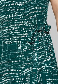 Monki - ELVIRA DRESS - Robe d'été - abstract green - 5