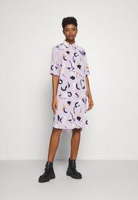 Monki - DAMIRA SHIRTDRESS - Shirt dress - lilac pink light - 0