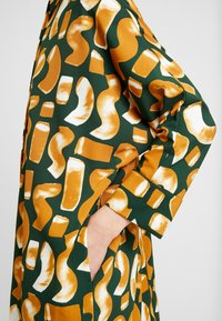 Monki - MOA SHIRTDRESS UNIQUE - Abito a camicia - green dark - 5