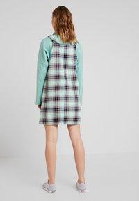 Monki - RUE DRESS - Sukienka letnia - dark green/light green - 3