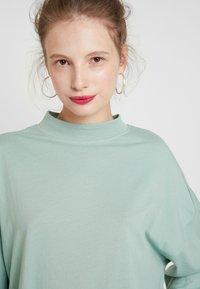Monki - CICELY DRESS - Vapaa-ajan mekko - sage green - 6