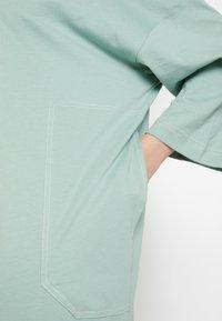 Monki - CICELY DRESS - Vapaa-ajan mekko - sage green - 4