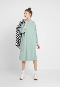 Monki - CICELY DRESS - Vapaa-ajan mekko - sage green - 2