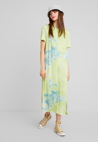 Monki - ISABELLA DRESS - Jerseykjole - tiedye light green - 1