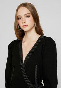 Monki - AYLA DRESS - Denim dress - black - 4