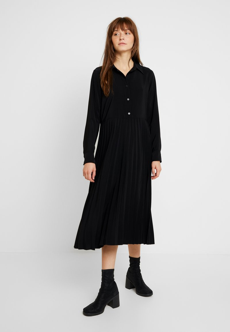Monki - ELEONORE DRESS UNIQUE - Vestido camisero - black