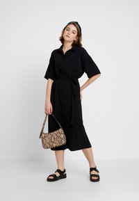 Monki - ELOISE DRESS - Sukienka koszulowa - black - 1