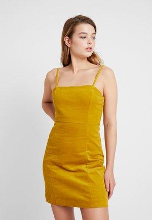 JUDY DRESS - Denní šaty - mustard