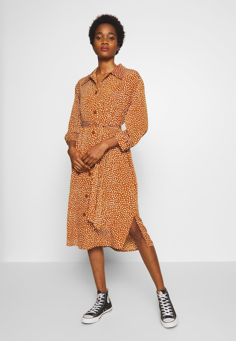 Monki - VALENTINA DRESS - Shirt dress - rust
