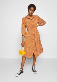 Monki - VALENTINA DRESS - Shirt dress - rust - 1