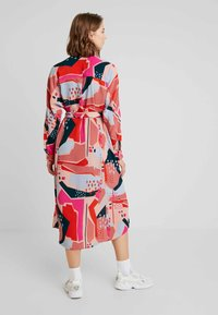 Monki - BERTA DRESS - Shirt dress - painted geometric - 2