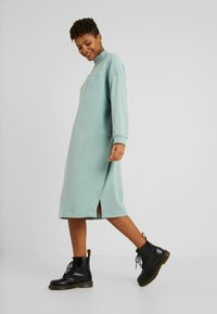 Monki - ELENA DRESS - Kjole - green - 2