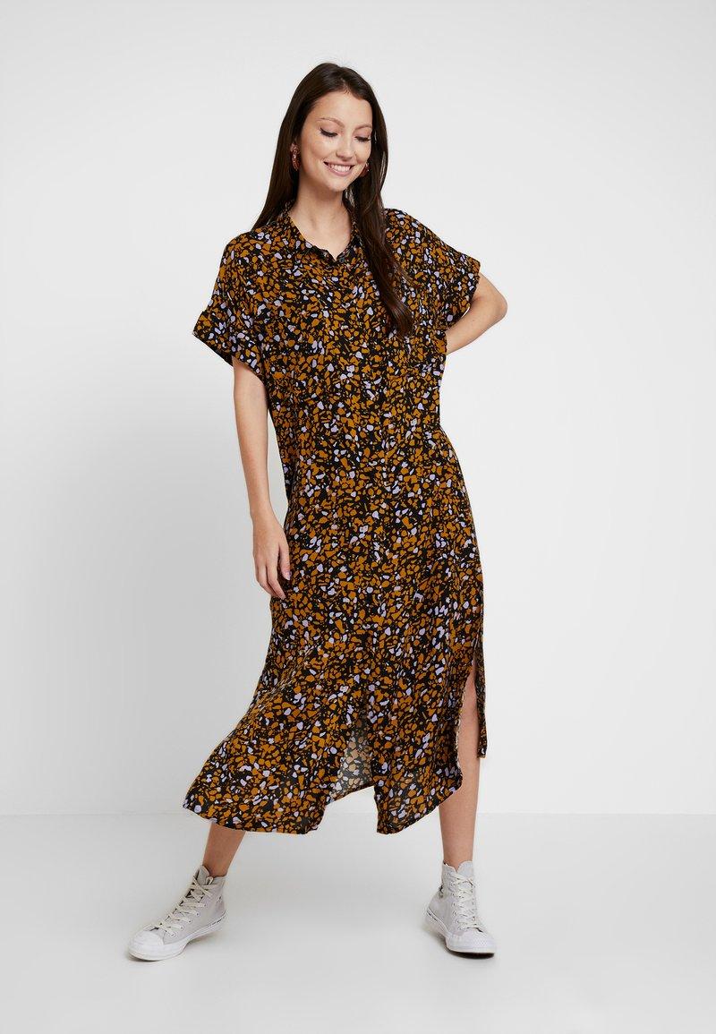 Monki - ILLY DRESS - Robe chemise - simplesprinkle