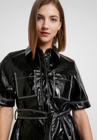 Monki - KARLA DRESS - Robe chemise - black - 4