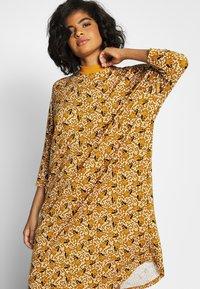 Monki - MARIA DRESS - Jersey dress - yellow dark - 3