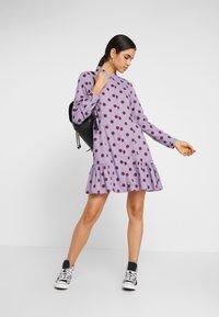 Monki - MIRANDA DRESS ASIA - Skjortekjole - lilac purple - 2