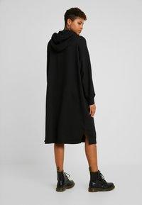Monki - ZANDRA DRESS - Vapaa-ajan mekko - black - 2