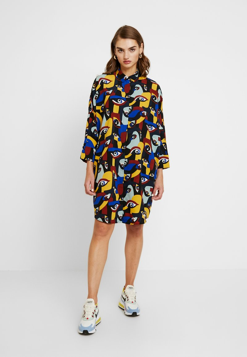 Monki - MOA SHIRTDRESS - Košilové šaty - yellow/darkeyes