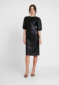 Monki - CHERIE DRESS - Freizeitkleid - black - 0
