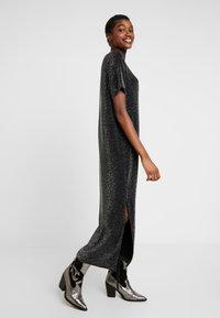 Monki - ISABELLA DRESS - Robe en jersey - black - 4