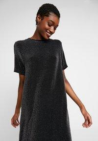 Monki - ISABELLA DRESS - Robe en jersey - black - 6