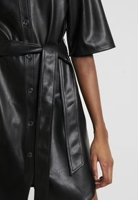 Monki - KARLA DRESS - Robe chemise - black - 6