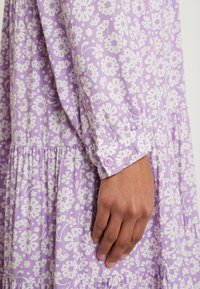 Monki - FIONA DRESS - Vestido informal - lilac/white - 6