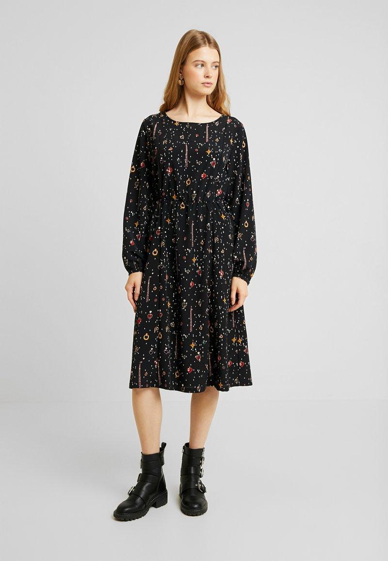 Monki - TERES DRESS - Korte jurk - black dark