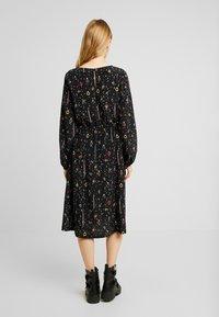 Monki - TERES DRESS - Korte jurk - black dark - 2