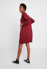 Monki - YING DRESS - Vapaa-ajan mekko - red - 3