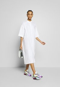 Monki - BEA DRESS - Skjortekjole - white - 1