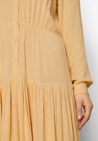 Monki - CARIE DRESS - Maxi-jurk - beige - 5
