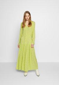 Monki - CARIE DRESS - Maxi-jurk - green light - 1