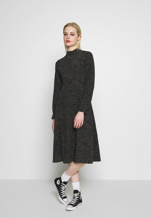 HELIE DRESS - Vapaa-ajan mekko - black