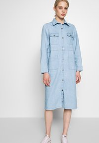 Monki - JAMIE DRESS - Dongerikjole - light blue - 0
