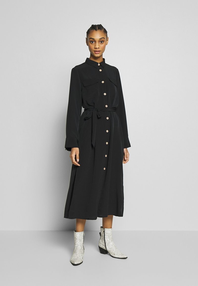 Monki - LIV UTILITY DRESS - Skjortekjole - black
