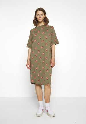 RIKA DRESS - Jerseykjole - khaki/green