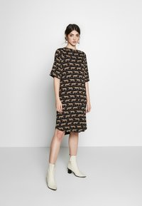 Monki - RIKA DRESS - Jersey dress - brown - 1