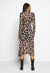 Monki - CECILIA DRESS - Maxi-jurk - beige - 2