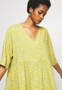 Monki - WENDELA  - Vestito estivo - yellow medium - 3